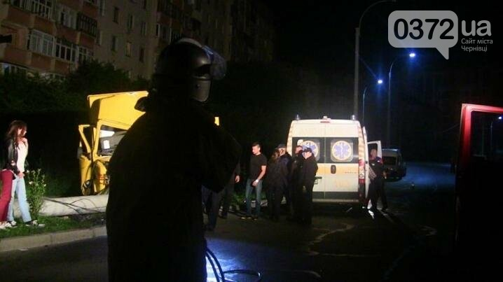 Водія із розбитої вантажівки витягали рятувальники (ФОТО), фото-2