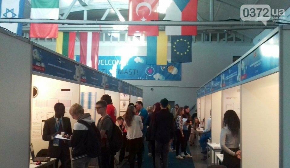 Чернівецьких школярів відзначили на Конкурсі молодих вчених в Естонії, фото-2