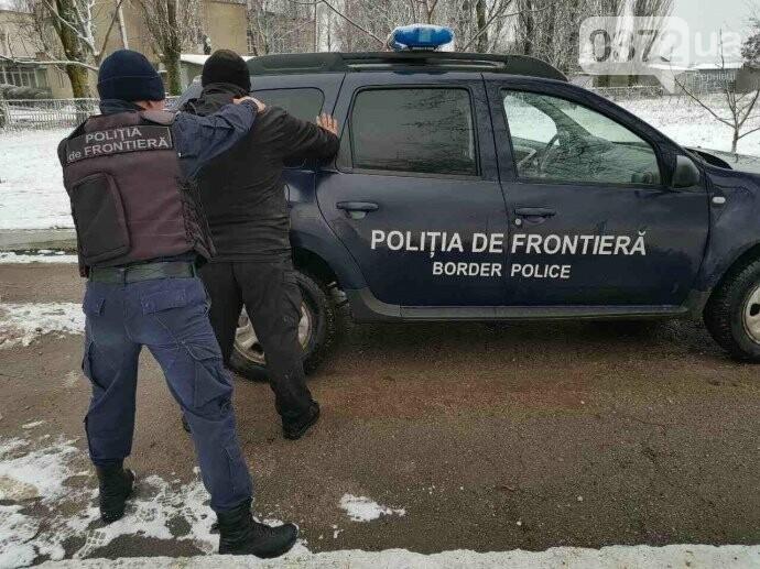 На Буковині при спробі незаконного перетину кордону затримали грузина (фото), фото-2