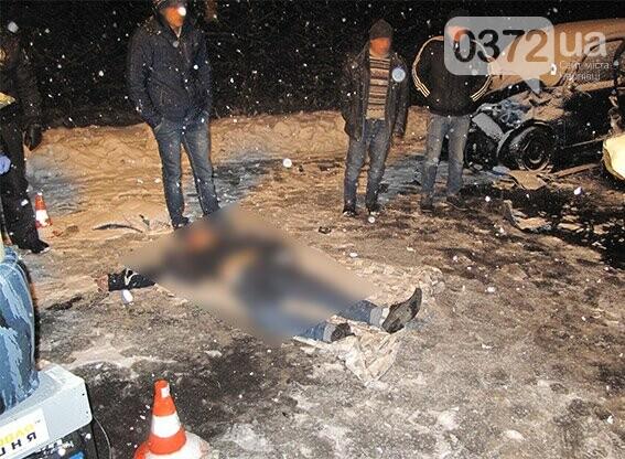 На Буковині зіткнулися два автомобілі на єврономерах - загинув чоловік, фото-3