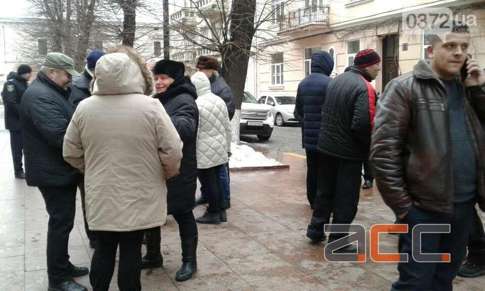 Прихильники Саакашвілі вийшли на мирний пікет під Чернівецькою ОДА, фото-1