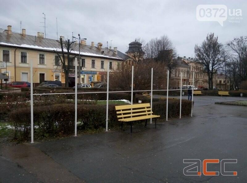 У Чернівцях вже почали облаштовувати різдвяне містечко, фото-3