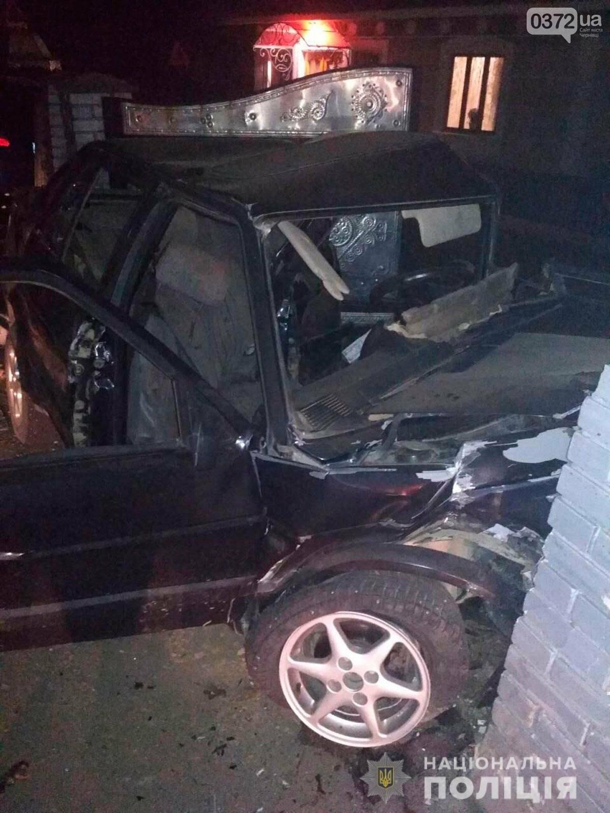 Внаслідок нічної ДТП на Буковині загинув чоловік: на перехресті доріг зіткнулись два автомобіля, фото-3