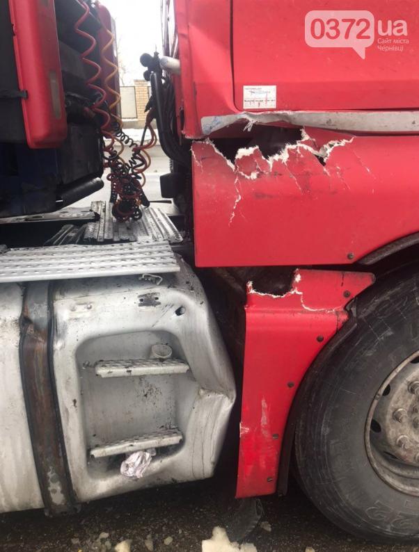 На Буковині через сильну ожеледицю розвернуло вантажівку (фото), фото-2