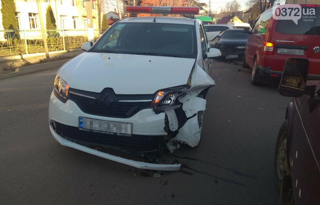 В Сторожинці у ДТП потрапило одразу три автомобіля, фото-4