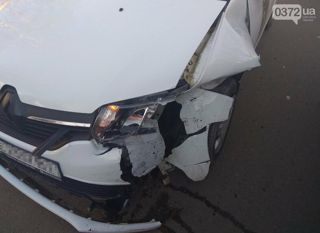 В Сторожинці у ДТП потрапило одразу три автомобіля, фото-3