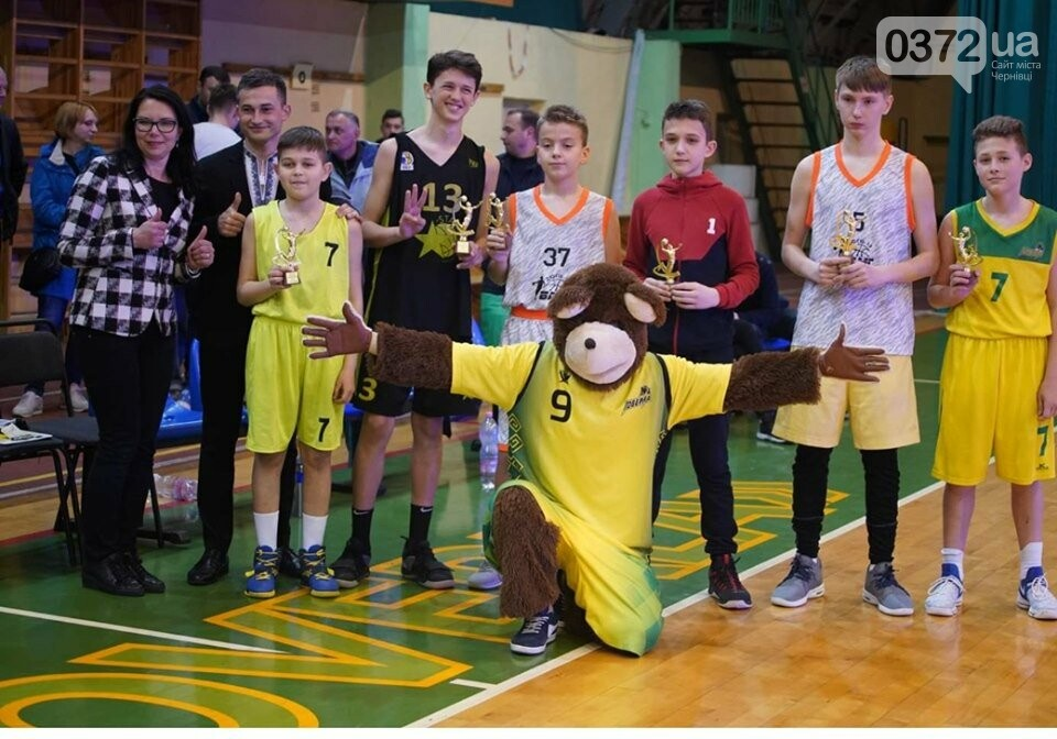 Юні чернівчани здобули срібло у Всеукраїнському турнірі з баскетболу , фото-4
