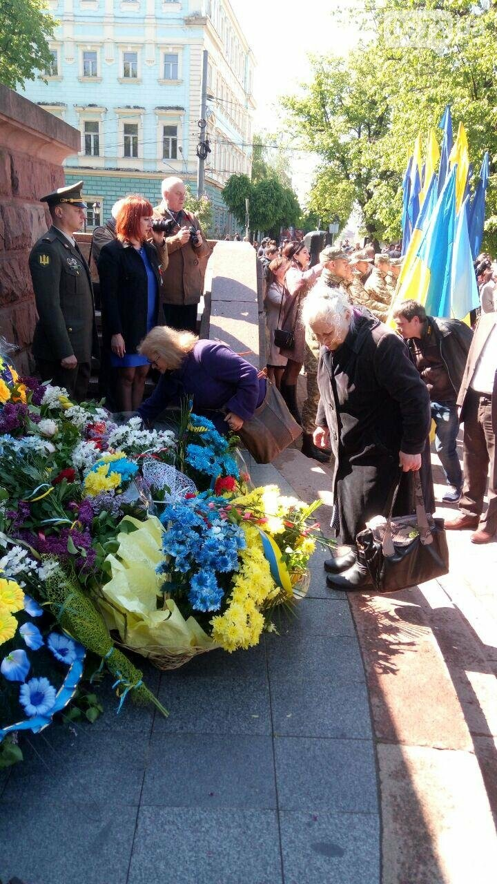 В Чернівцях вшанували пам'ять загиблих воїнів в Другій світовій війні (ФОТО), фото-38