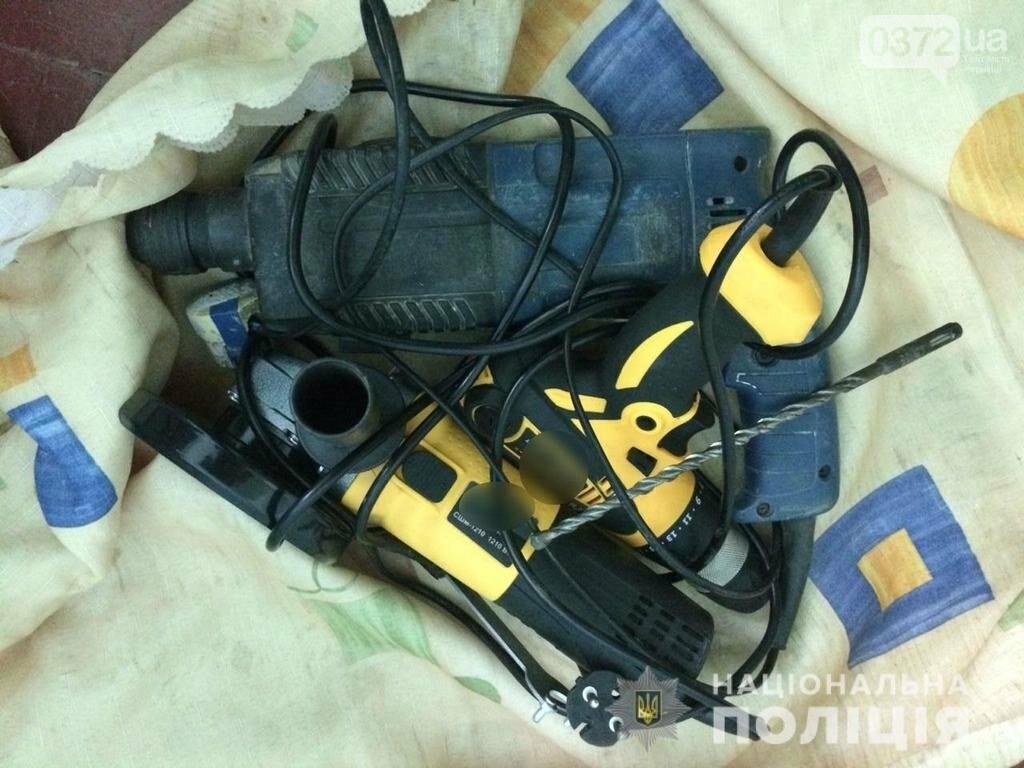 Оперативники Буковини розкрили крадіжку електроінструментів, фото-1