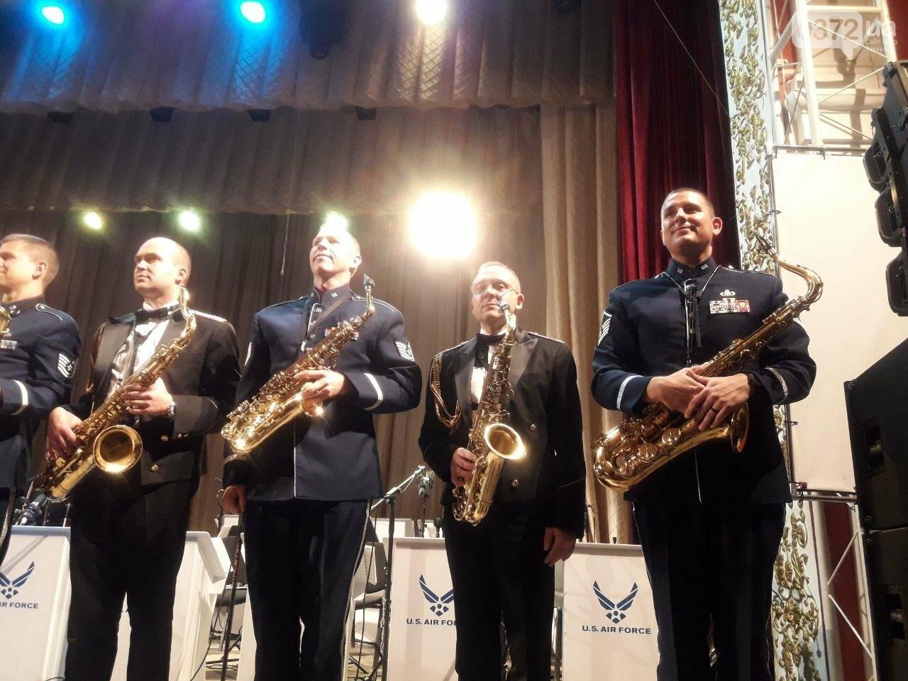 Американський оркестр виступив у філармонії в Чернівцях - ФОТО, фото-5