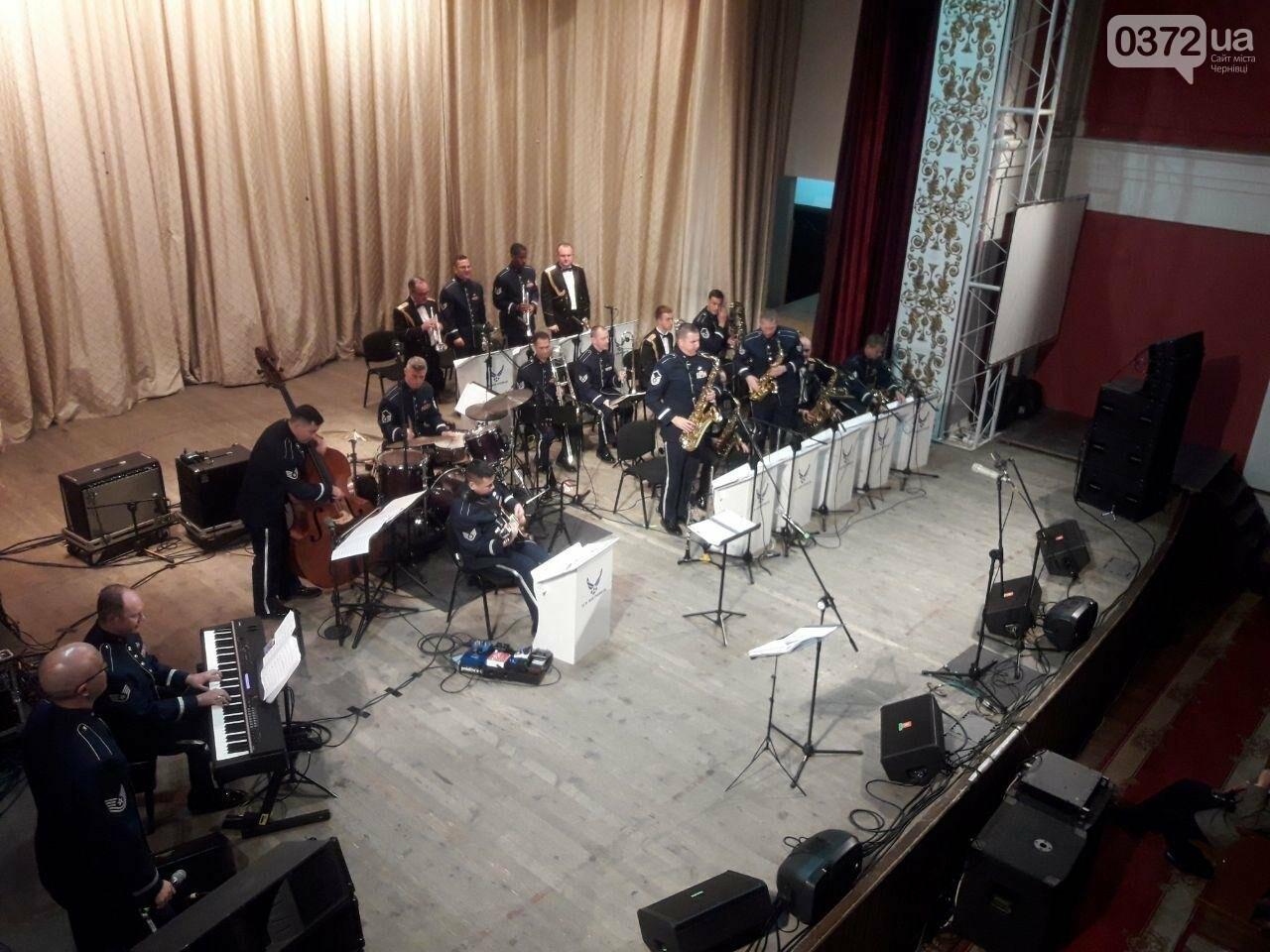 Американський оркестр виступив у філармонії в Чернівцях - ФОТО, фото-4