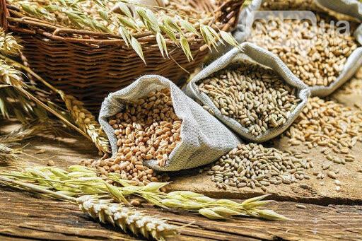 Збирання врожаю зернових та зернобобових у Чернівецькій області на 1 жовтня 2020 року