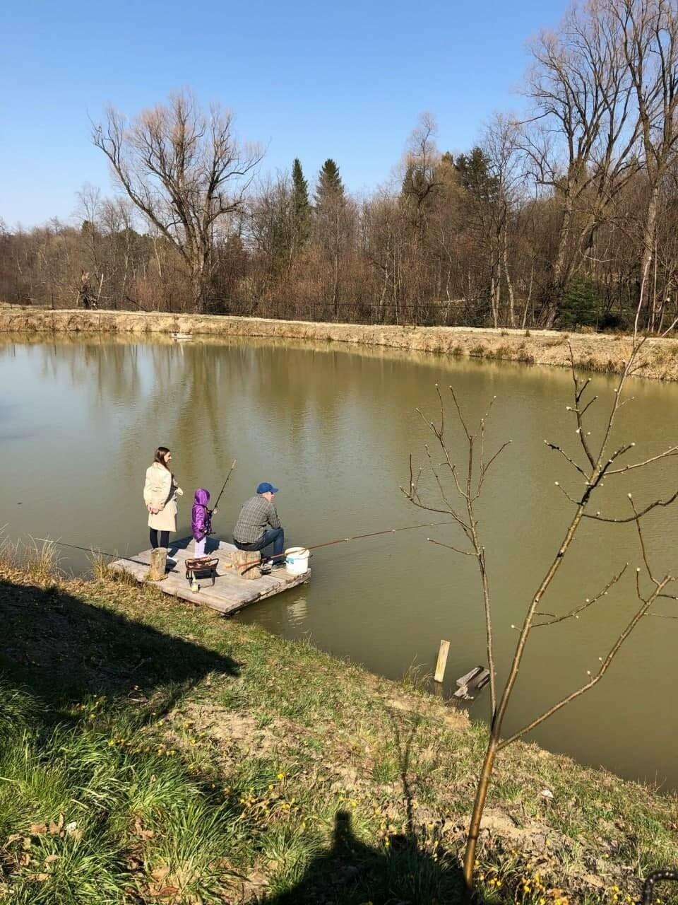 Риболовля у Чернівцях, Криївка у ставка