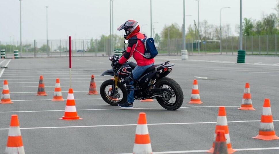Водіння мотоциклів та мопедів, фото-1