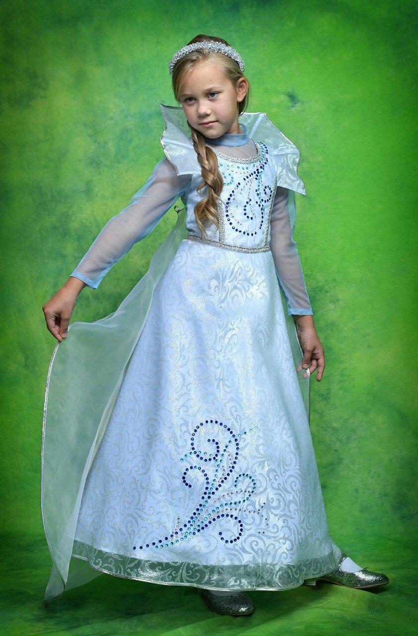У карнавальній студії Лілії Ротар Ви зможете підібрати святкові костюми до  свята Осені 3e2847a3d86de