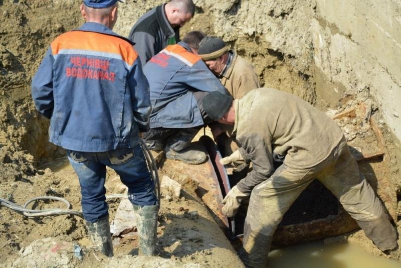 В Чернівцях ремонтують насосну станцію, відновлюють водопостачання, фото-1