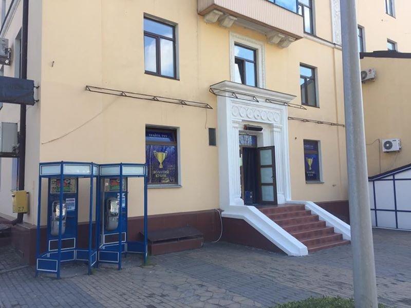 Депутат Чернівецький міської ради заявив, що у місті інспекція з благоустрою ігнорує незаконну рекламу, фото-3