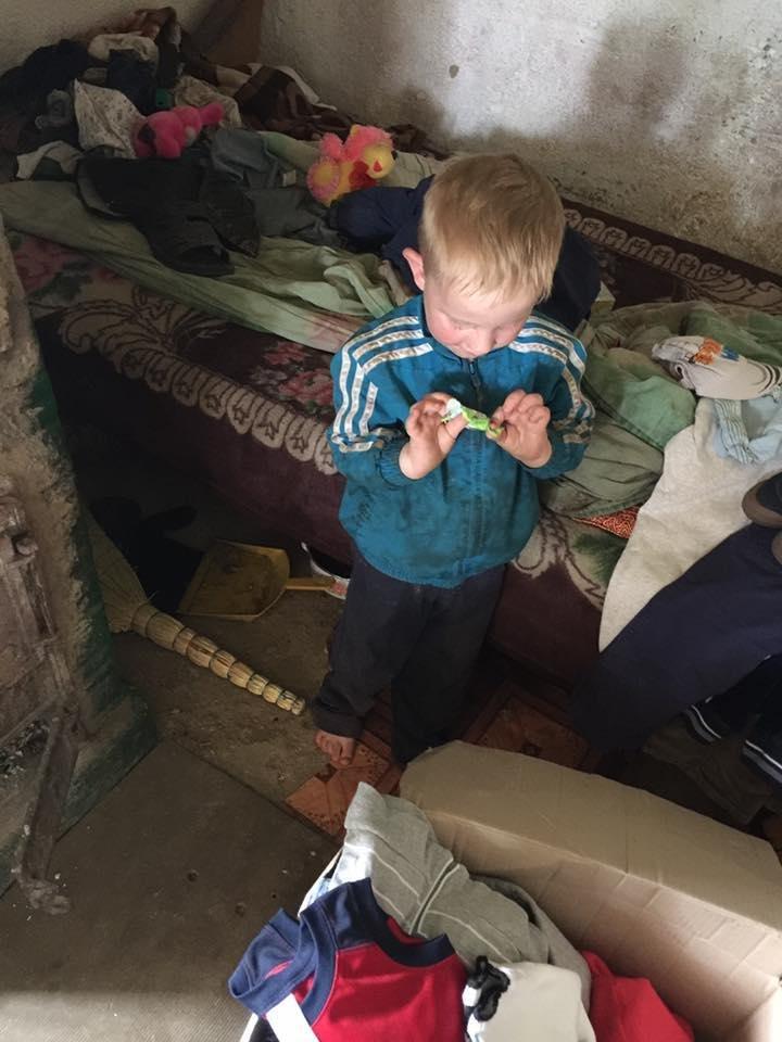 Чернівецька волонтерка показала як живуть діти за межею бідності (ФОТО), фото-4