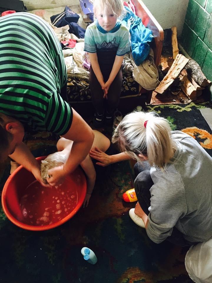 Чернівецька волонтерка показала як живуть діти за межею бідності (ФОТО), фото-2