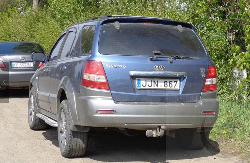 Чергове ДТП на Буковині: зіткнулись три автівки, фото-1