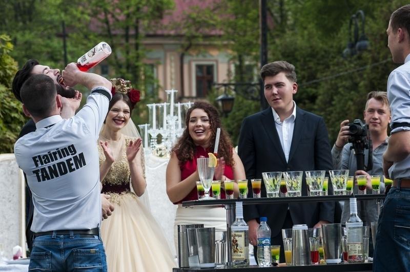 Чернівчан одружили просто неба на вулиці Кобилянської (фото), фото-7