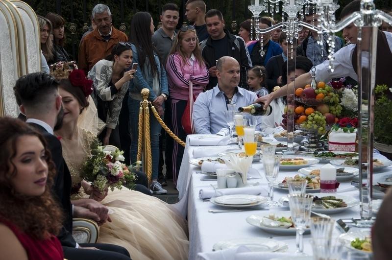 Чернівчан одружили просто неба на вулиці Кобилянської (фото), фото-8