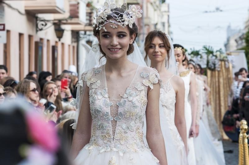 Чернівчан одружили просто неба на вулиці Кобилянської (фото), фото-2