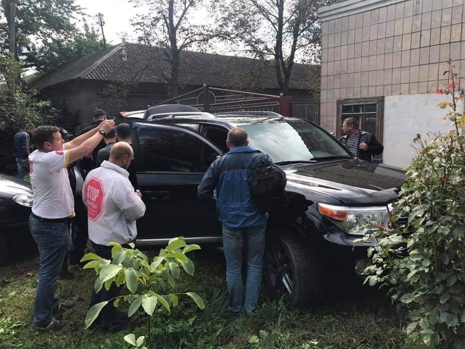 Поблизу Чернівців було виявлено склад нелегальної деревини (фото), фото-3