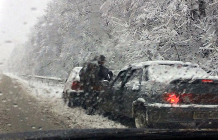 Сьогодні на Сторожинеччині трапилося два ДТП за участю шести автомобілів (фото), фото-1