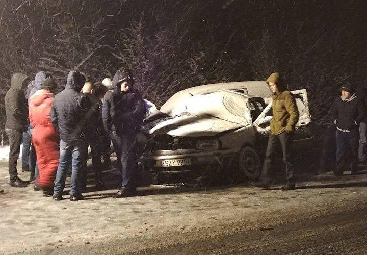 Смертельна ДТП на Буковині: зіткнулися два легковики (фото), фото-1
