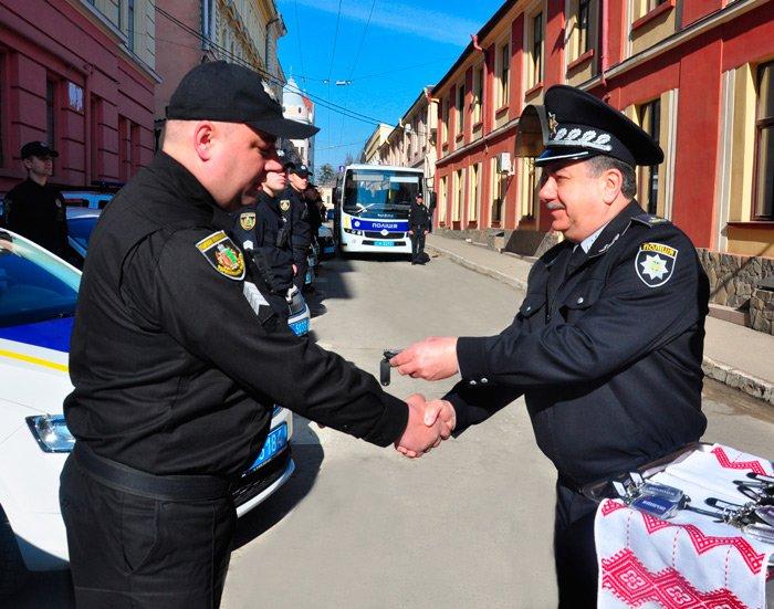 Поліція Буковини отримала 12 нових автомобілів (фото), фото-2