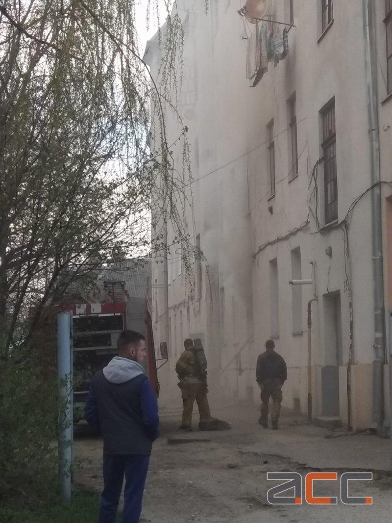 У Чернівцях поблизу залізничного вокзалу горів житловий будинок (фото), фото-3