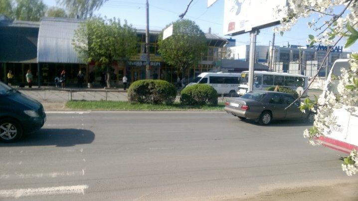 У Чернівцях закрили один пішохідний перехід на проспекті Незалежності (фото), фото-2