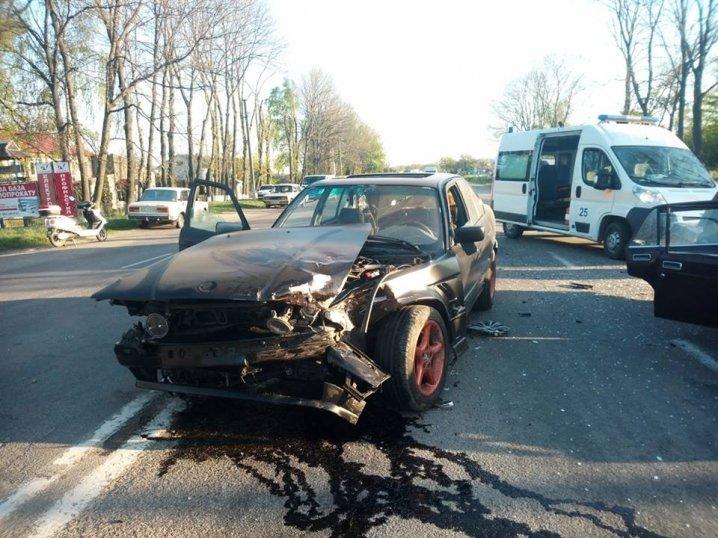 На Буковині зіткнулися BMW і «Жигулі» (фото, відео), фото-2