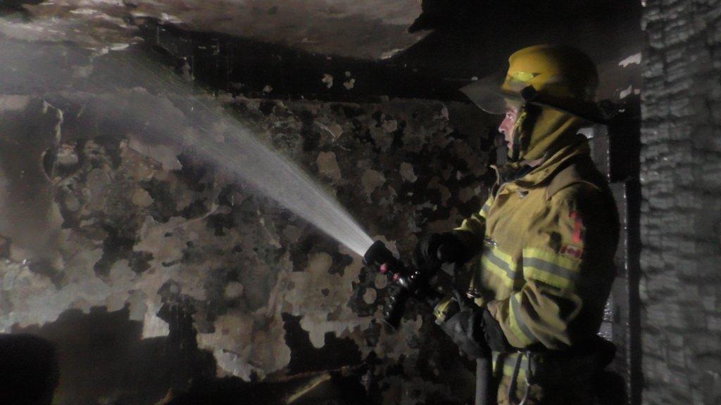 У Чернівцях через піч горіла квартира: чоловік отруївся чадним газом, фото-3