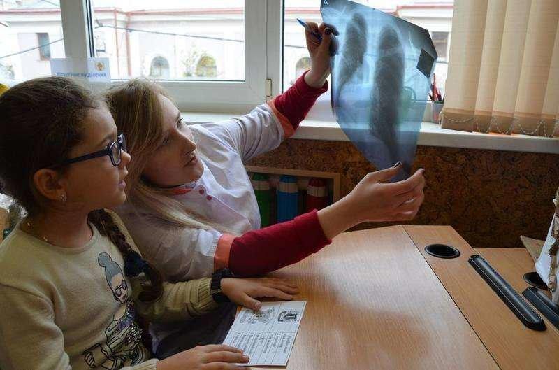 У Чернівцях дітей навчали не боятися лікарів (фото), фото-5