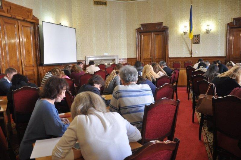 Як у Чернівцях чиновники писали диктант? (фото), фото-2