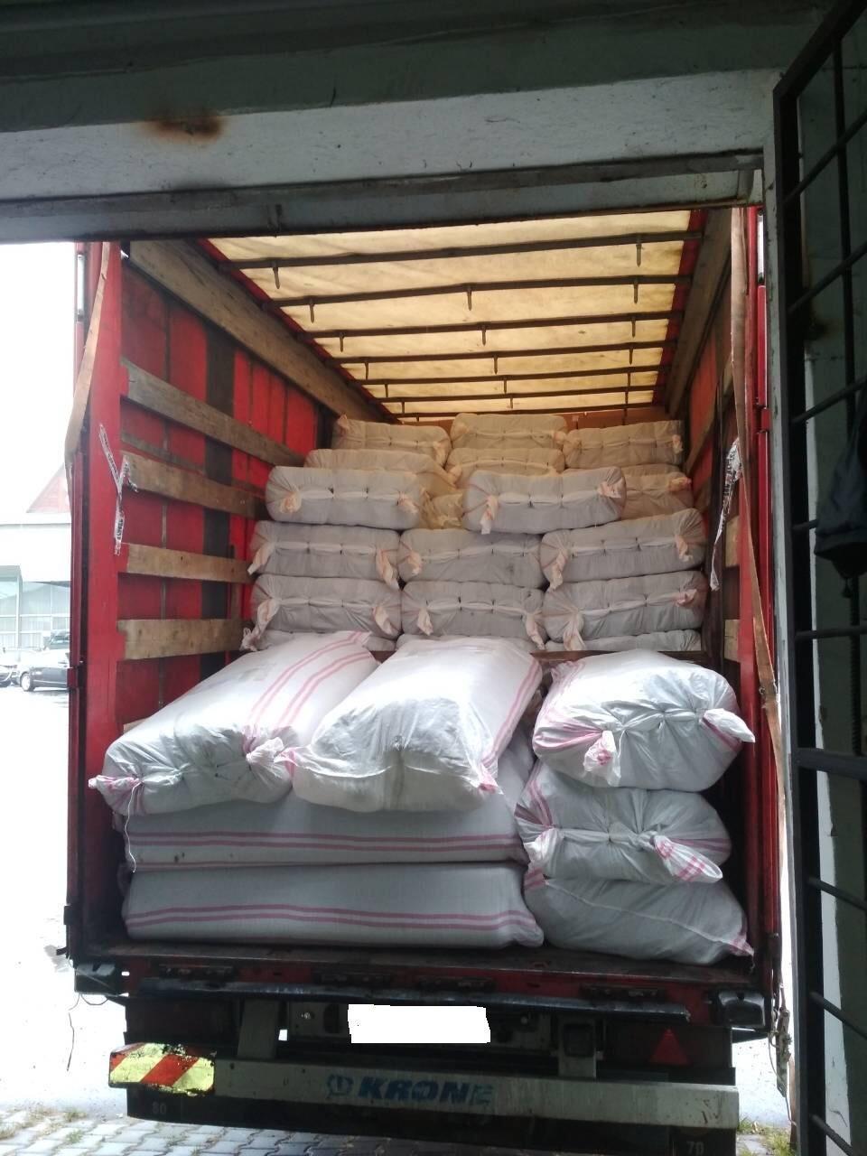 Три тонни тюлі, вартістю майже мільйон гривень, намагались перевезти контрабандисти через буковинський кордон, фото-1