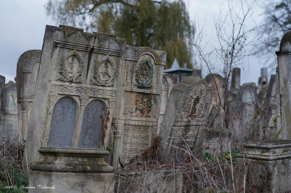 Одне з наймістичніших кладовищ України знаходиться у Чернівцях (фото), фото-9
