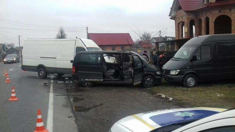 Потрійна ДТП на Буковині: є потерпілі (фото), фото-2
