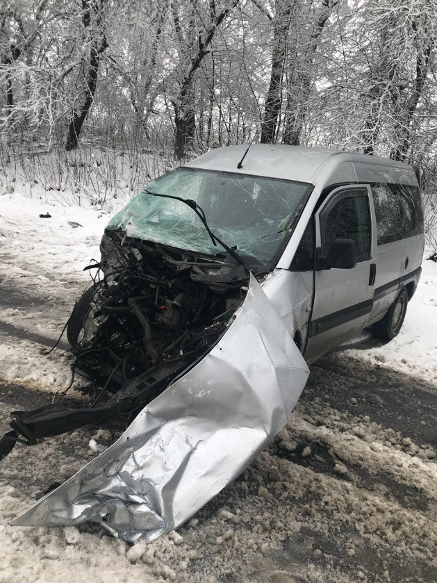 Смертельна ДТП на Буковині: внаслідок зіткнення автомобілів загинуло двоє людей (фото), фото-1