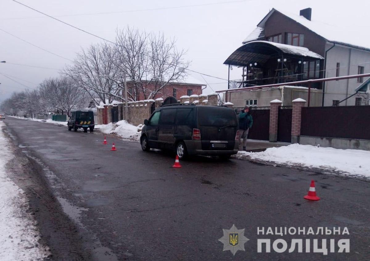 У Чернівцях  автомобіль збив 14-річного хлопчика, фото-2