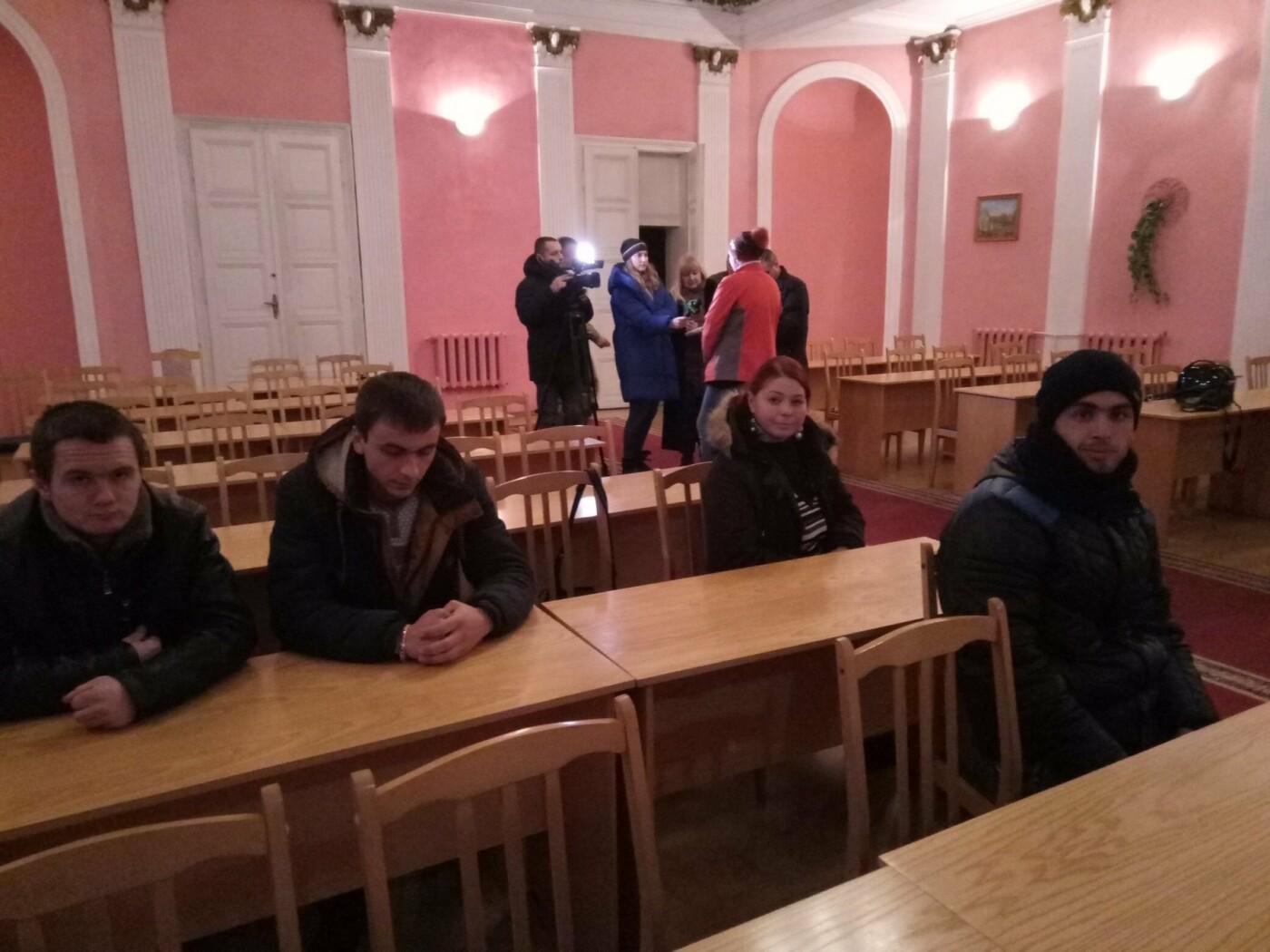 Буковинці почали активно звертаютись до військкомату: на службу відправили ще 6 кандидатів, фото-2
