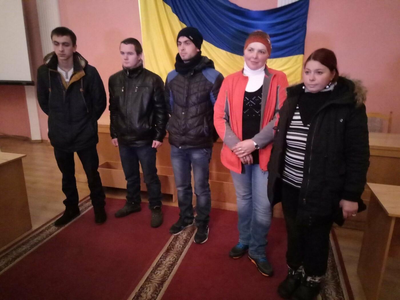 Буковинці почали активно звертаютись до військкомату: на службу відправили ще 6 кандидатів, фото-5