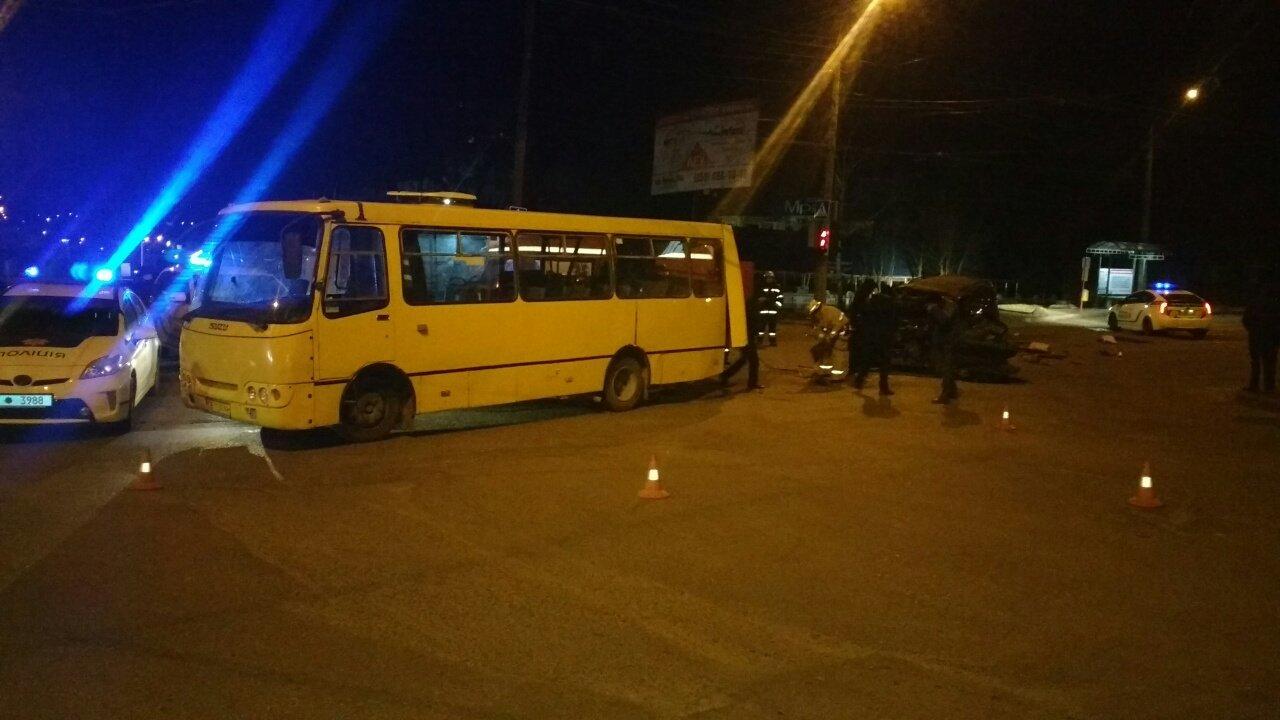 Чернівецькі рятувальники розповіли, як витягували із Джипу п'яного водія, фото-2