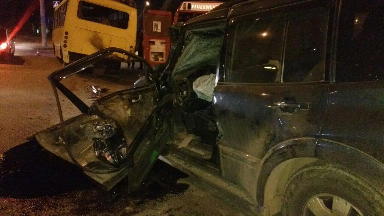 Чернівецькі рятувальники розповіли, як витягували із Джипу п'яного водія, фото-3