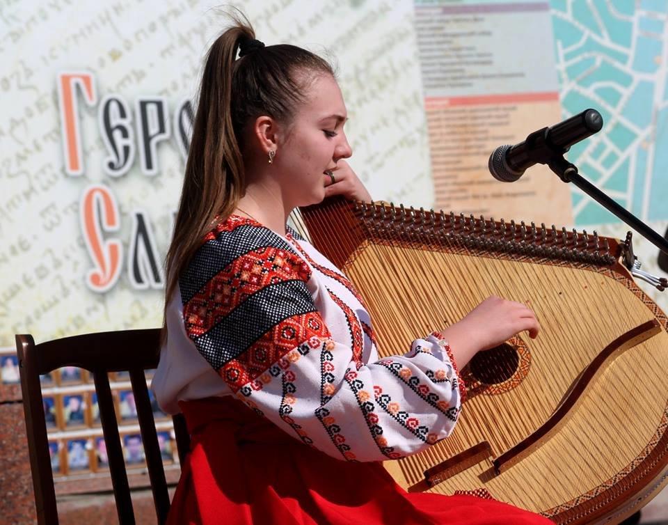 В Чернівцях відбулись урочистості до дня народження Тараса Шевченка, фото-1