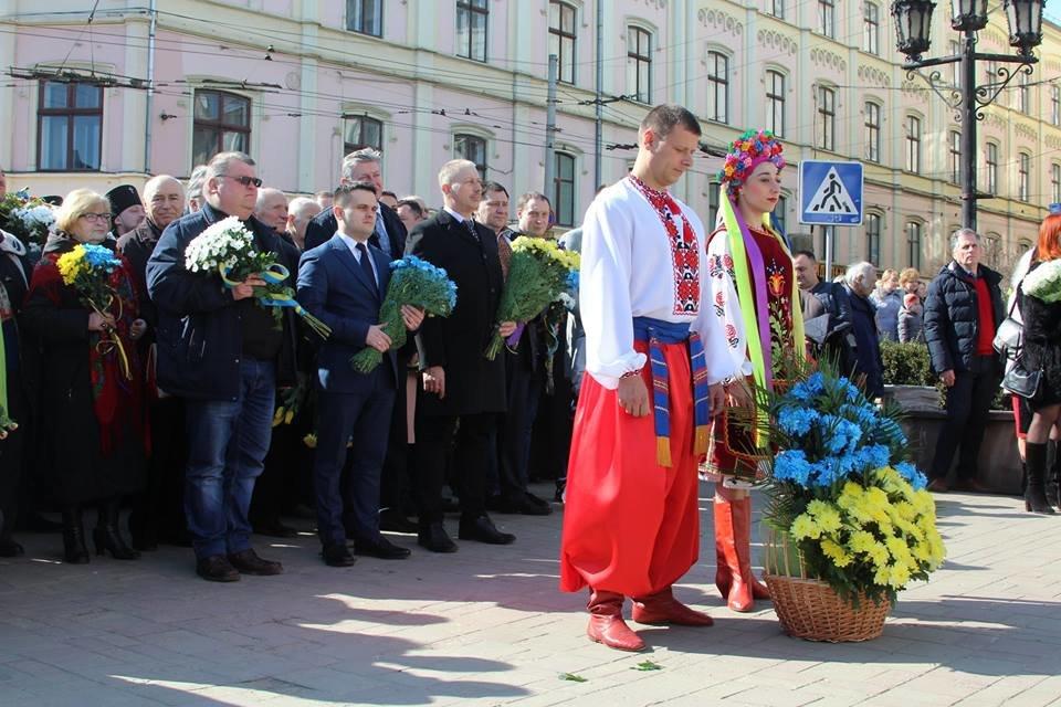 В Чернівцях відбулись урочистості до дня народження Тараса Шевченка, фото-2
