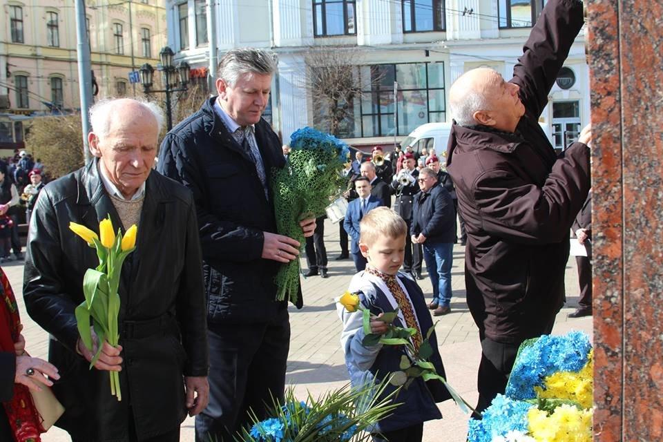 В Чернівцях відбулись урочистості до дня народження Тараса Шевченка, фото-3
