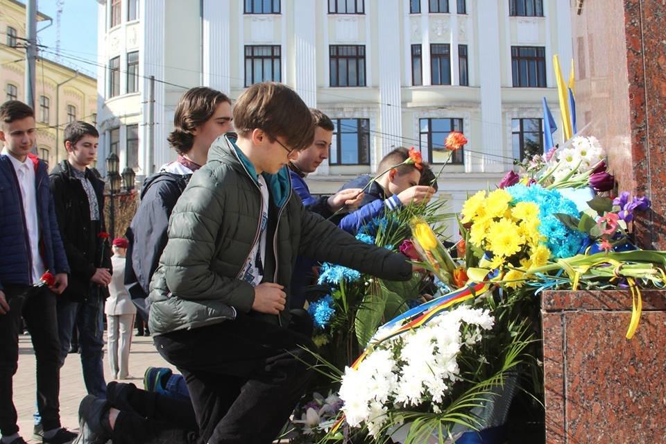 В Чернівцях відбулись урочистості до дня народження Тараса Шевченка, фото-5